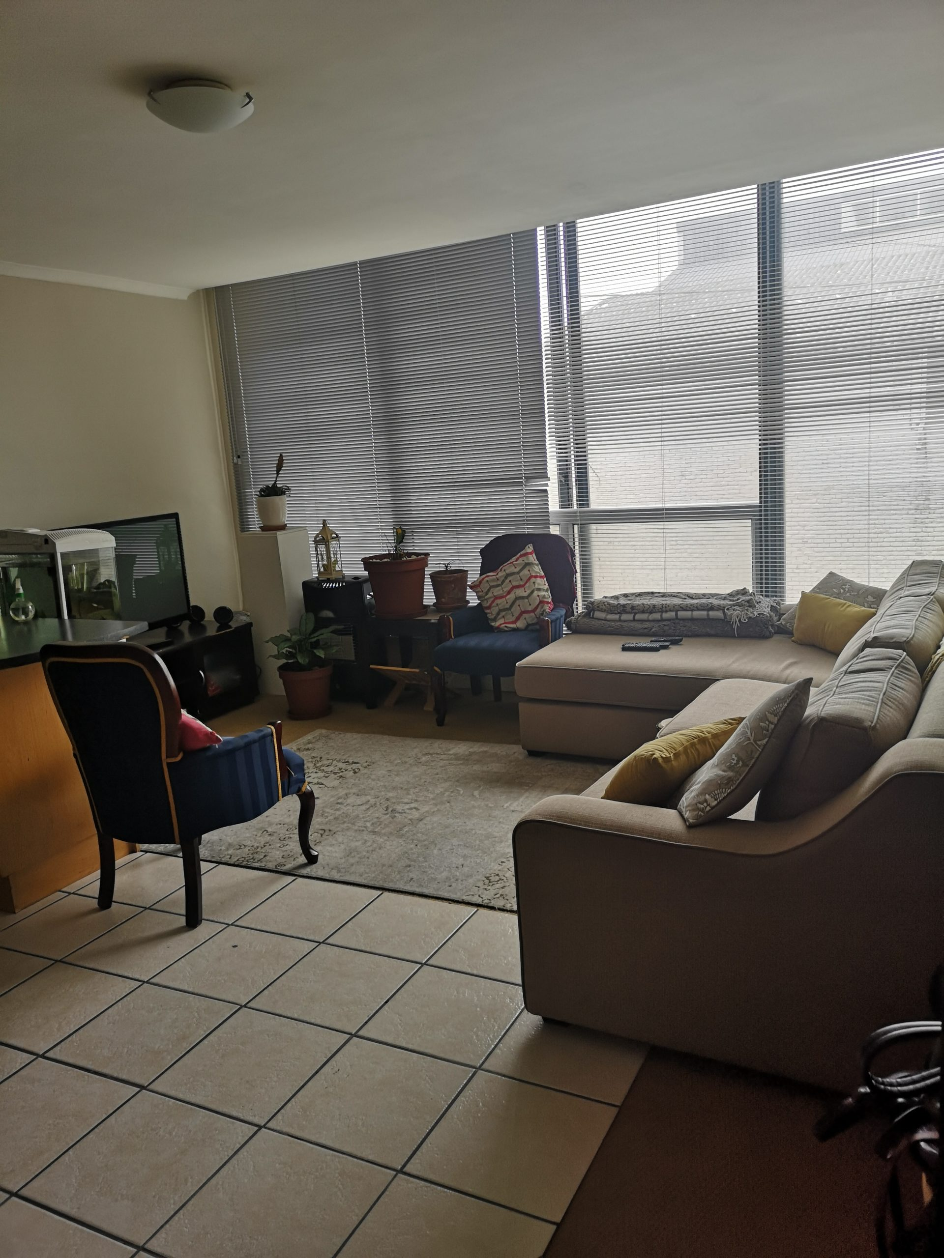 unfurnished one bedroom,harbour view